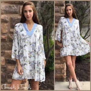 Dresses & Skirts - CLEARANCE! 🌸Ivory Floral Vintage Print Dress