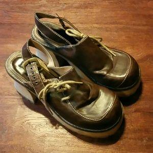 Vintage Shoes - Wooden platforms