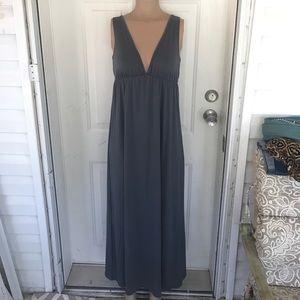 Emi & Joe Medium gray maxi dress deep v-neck