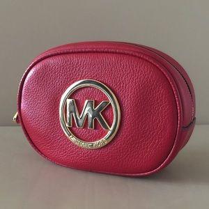 Michael Kors Handbags - 💥TODAY ONLY💥 MICHAEL KORS FULTON COSMETIC BAG