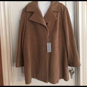 Andrew Marc Jackets & Blazers - ☘️NWT Andrew Marc Wool/Cashmere Camel Coat. 3X