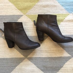 n.d.c. Shoes - n.d.c. Made by hand anthracite leather ankle boots