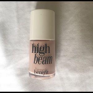 Benefit Other - High beam highlighter