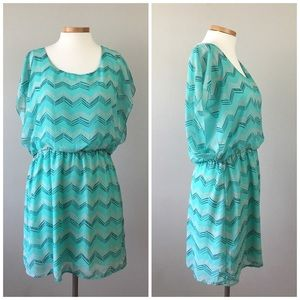 BONGO Dresses & Skirts - Bongo NWT Blouson Dolman Chevron Boho Dress