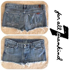 7 For All Mankind Pants - LIKE NEW **7 FOR ALL MANKIND** Jean Shorts Size 29