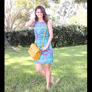 Turquoise printed dress: bright and fun!