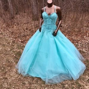 Mori Lee Dresses & Skirts - 🎈Name Your Price👇Hit that Offer Button👍