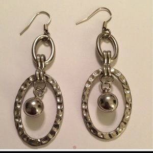 Vintage Jewelry - *Silver Fashion Dangle Earrings