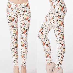 Twilight Gypsy Collective Pants - ❖HP❖ White Floral Printed Leggings