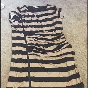 Sale-brand new cream black front zipper dress!