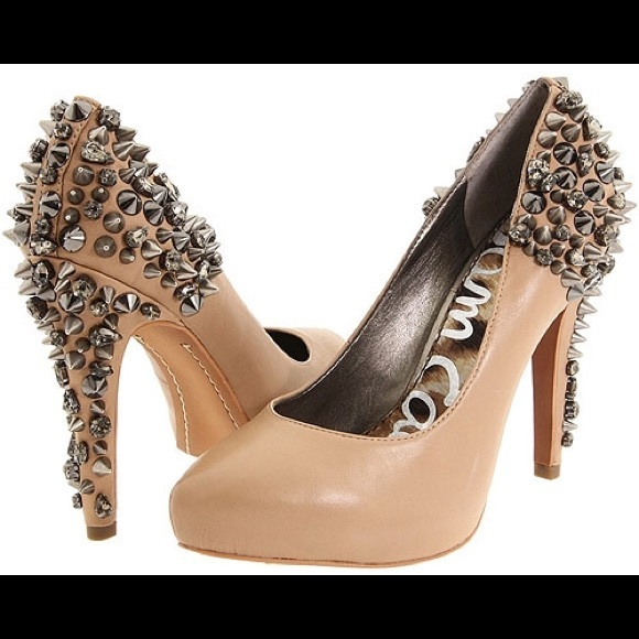 e44f6b7da Sam Edelman Roza Spiked Heels Pump Nude Leather 6.  M 58c3381c522b45a152042502