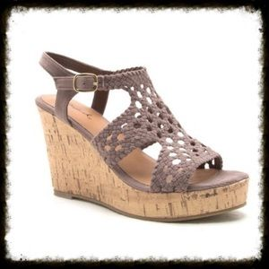 Shoes - 😍 Taupe Wedge Sandal