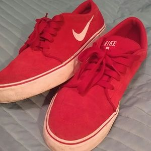 Nike Other - Nike low red sneakers Sz 10.5