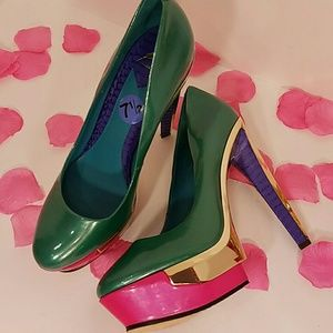 Brian Atwood Shoes - Brian Atwood stiletto heels barely used size 7 1/2