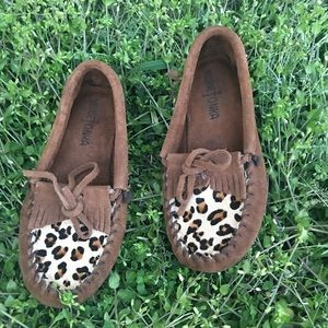 Minnetonka Mocs girls sz: 2