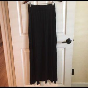Brandy Melville Dresses & Skirts - Brandy Melville maxi skirt free shirt