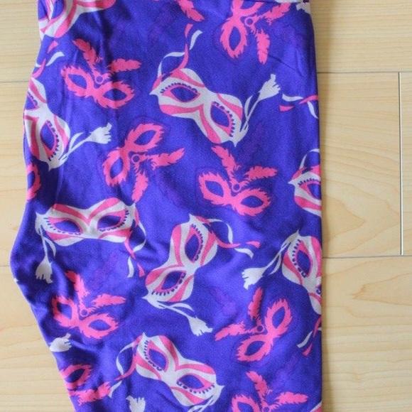 15a8008c445046 LuLaRoe Pants | Beautiful Masquerade Leggings | Poshmark