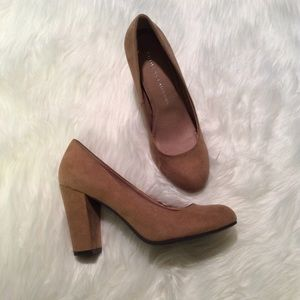 Chinese Laundry Shoes - Chinese Laundry Tan Pumps Size 8
