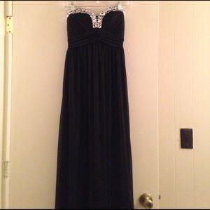 City Studio Dresses & Skirts - Black chiffon full length prom dress
