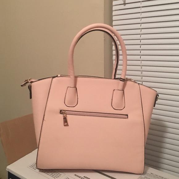 656bdce810a1 Princess Leather Handbag. NWT. LA Terre Fashion