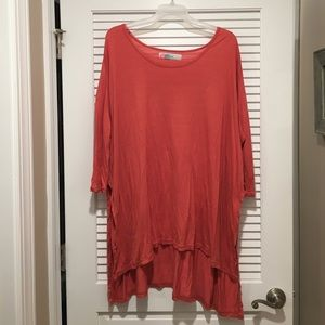 🔥FREE PEOPLE coral oversized tee🔥