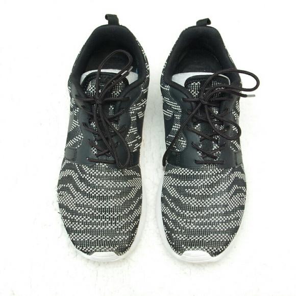 Nike Roshe Plazo Para Mujer En Blanco Y Negro De La Polilla Moteada FD7JE