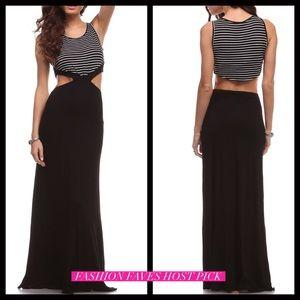 Dresses & Skirts - SUMMER CLEARANCE 🌞Peep Back Maxi Dress
