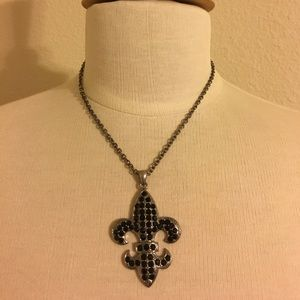 Accessories - Fleur de lis necklace