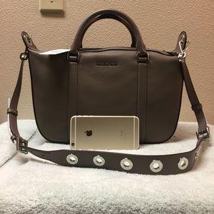 97493f636cf4 Michael Kors Bags - New Michael Kors Raven big large leather satchel
