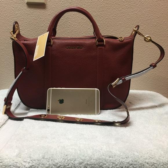 1412a055a6c7 Michael Kors Bags | New Raven Big Large Leather Satchel | Poshmark