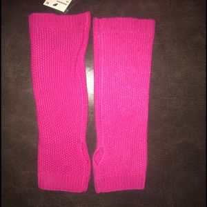 Saks Fifth Avenue Accessories - NWT-Luxurious CASHMERE Arm Warmers
