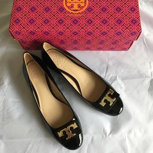EUC Tory Burch Gigi Block Heel Black Pumps 6.5