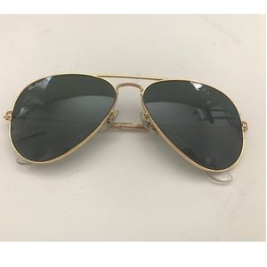 IN CASE! Classic Gold aviators Raybans