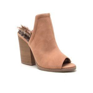 qupid Shoes - Trendy Slip on faux fur shoe, super comfy!
