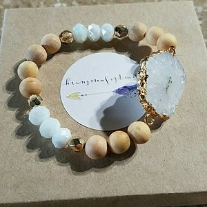 Jewelry - White, Druzy stone beaded bracelet