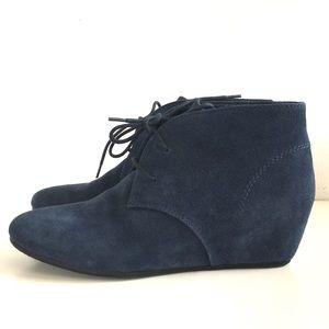 272b99d9b5dc Nine West Shoes - Nine West Navy Joanis Suede Lace Up Wesge    9 1