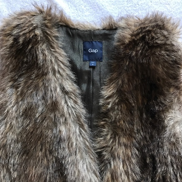 GAP Jackets & Coats - Gap faux fur vest.