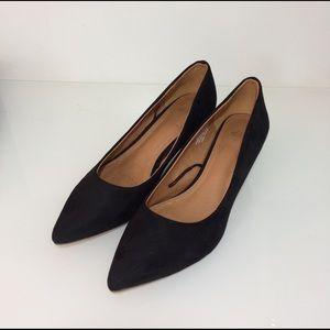 H&M Shoes - H&M Mini Heel Black Shoes Size 5.5