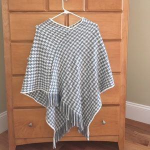 Sweaters - Grey and white poncho