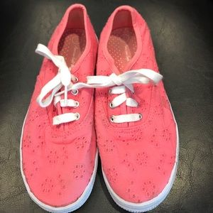 American Eagle by Payless Other - Girls size 2 eyelet sneakers