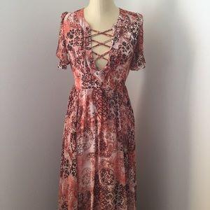 Lulu's Dresses & Skirts - LuLu's tie front maxi dress