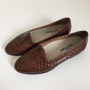 Vintage Brown Woven Leather Loafers