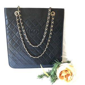 CHANEL Handbags - Authentic Chanel CC logo Black leather bag