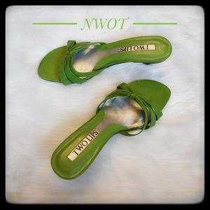 Two Lips Shoes - NWOT Sassy Vivid Green Leather Sandals Heels Sz 7