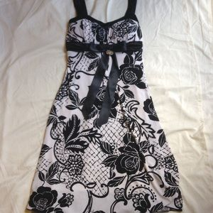 Dresses & Skirts - Women's Formal Dress