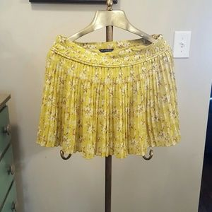 Dresses & Skirts - Yellow pleated skirt