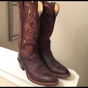 Justin Boots Shoes - 💥Weekend Sale💥 Justin Cowboy boots.