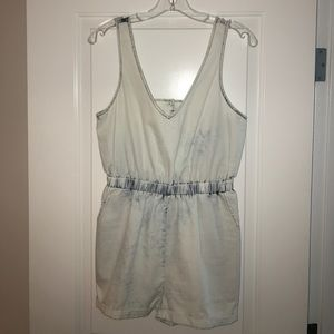 Pants - Adorable shorts jumpsuit! Never worn! Size Small!