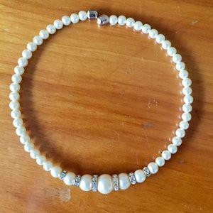 Vintage Pearl rhinestone choker necklace