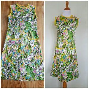 Adorable Vintage 1960's Shift Dress